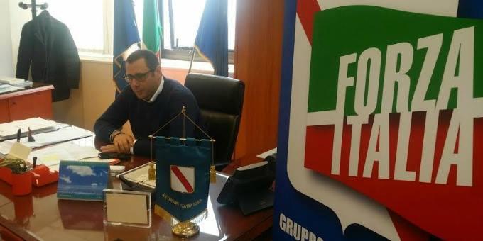 Vincenzo De Luca scarica anche Nello Di Nardo per coprire proprie responsabilità su incendi