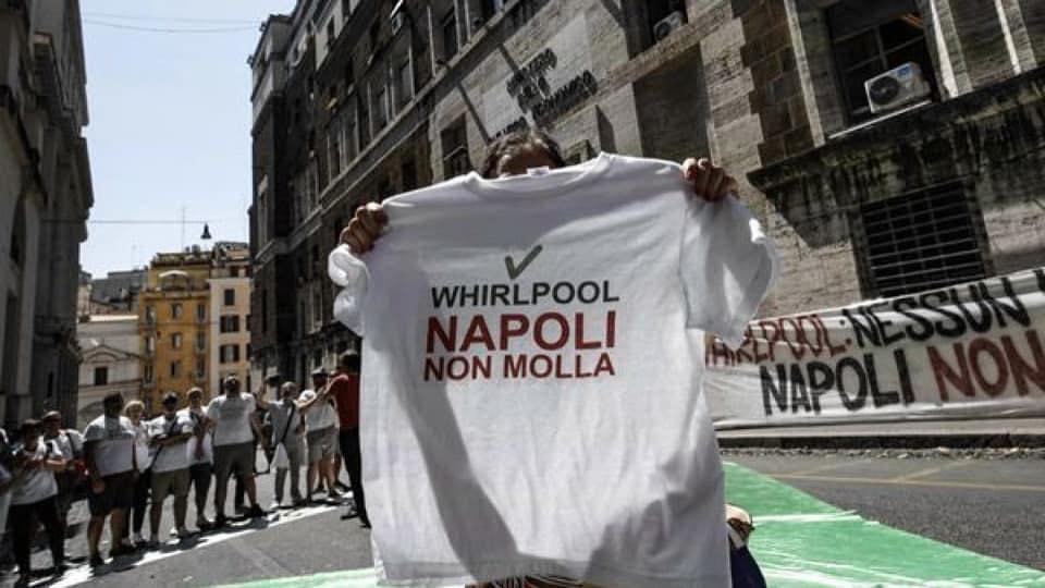WHIRLPOOL: 20 MILIONI? DE LUCA SI FACCIA RESTITUIRE I 2 MILIARDI DEL PATTO PER LA CAMPANIA